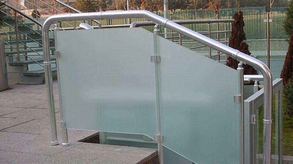 garde corps escaliers alu et verre 1