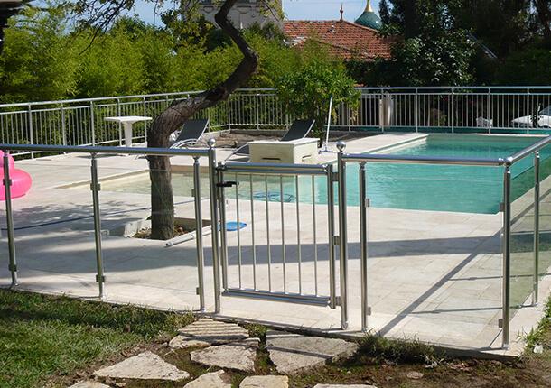 portillon de piscine
