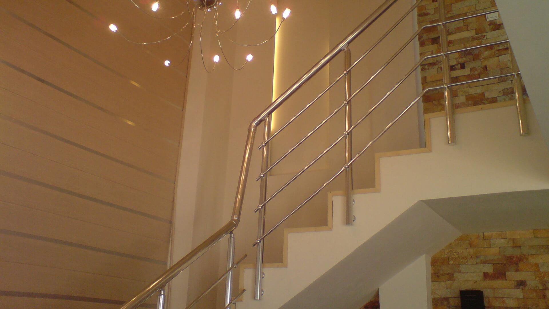 rampe d'escalier et main courante Rampe d'escaliers en alu Rampe d'escaliers en alu