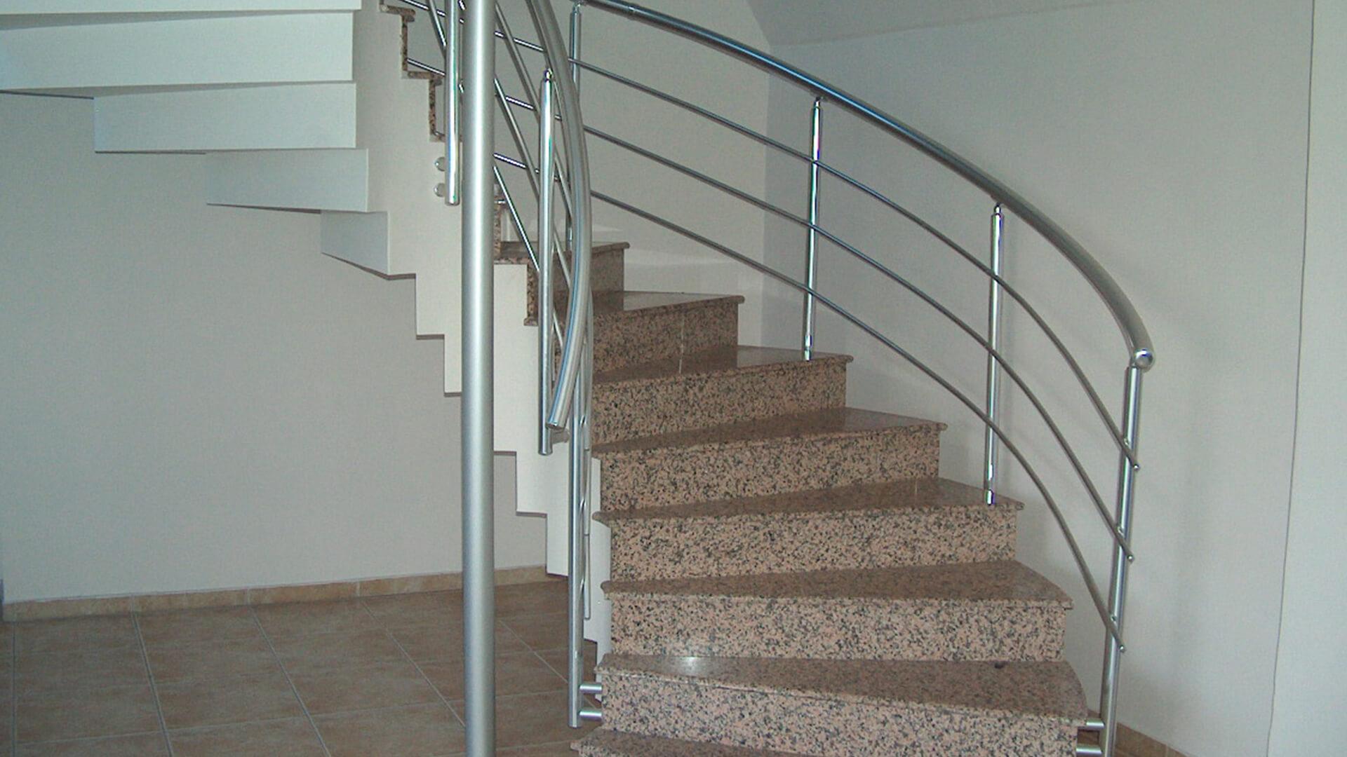 rampe d'escalier et main courante Rampe d'escaliers en alu