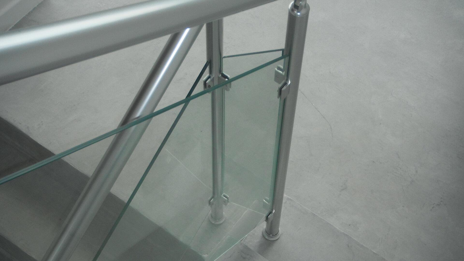 rampe d'escalier et main courante Rampe d'escaliers en alu & verre